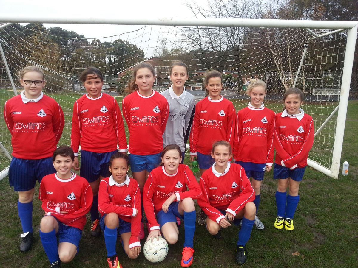Girls Football - 18.11.15 - 1