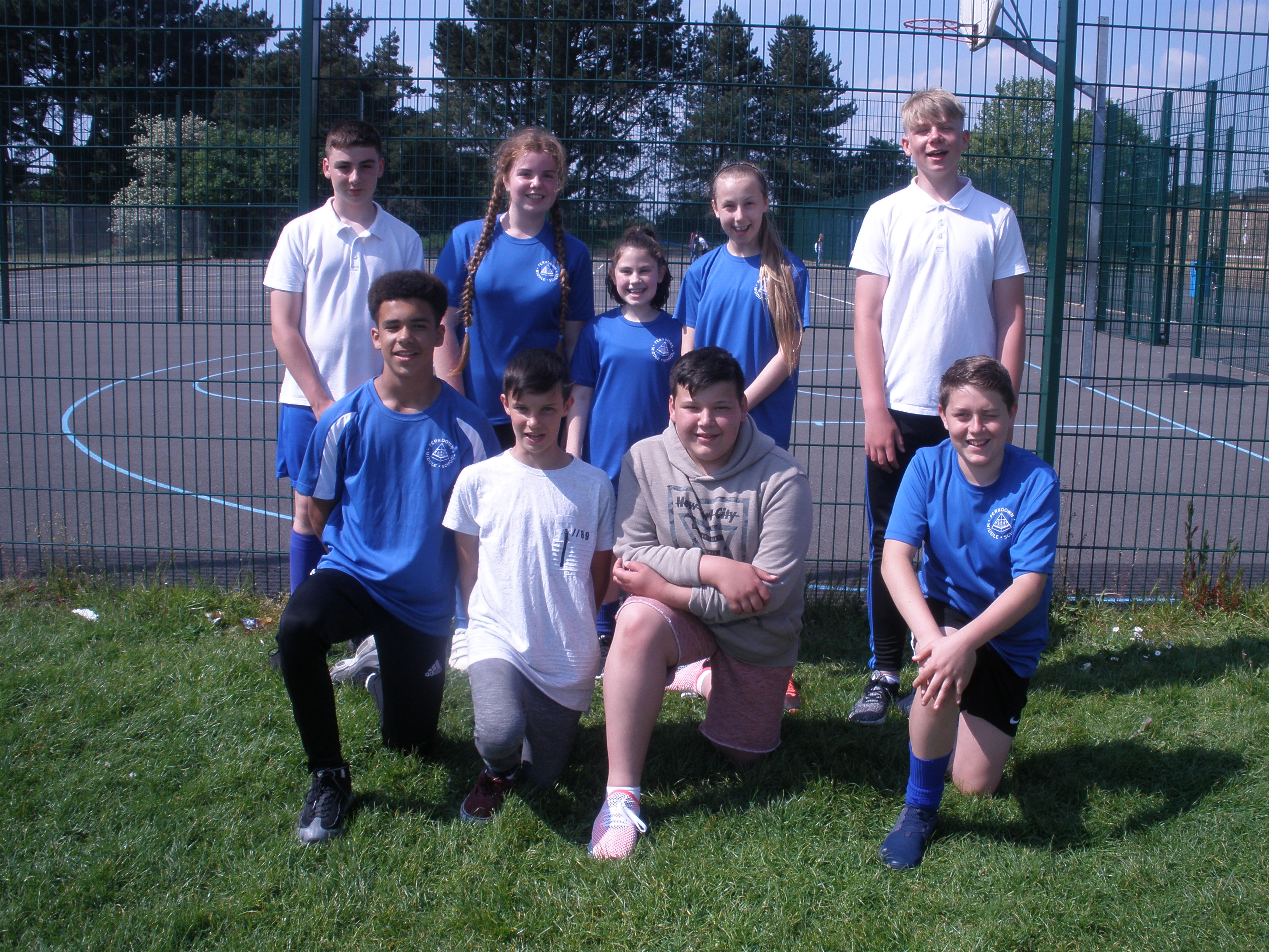 Year 8's Help Run Year 4 Tennis Tournament