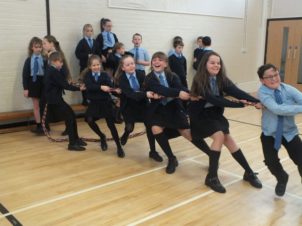 Ferndown Take Part in Charity Tug of War