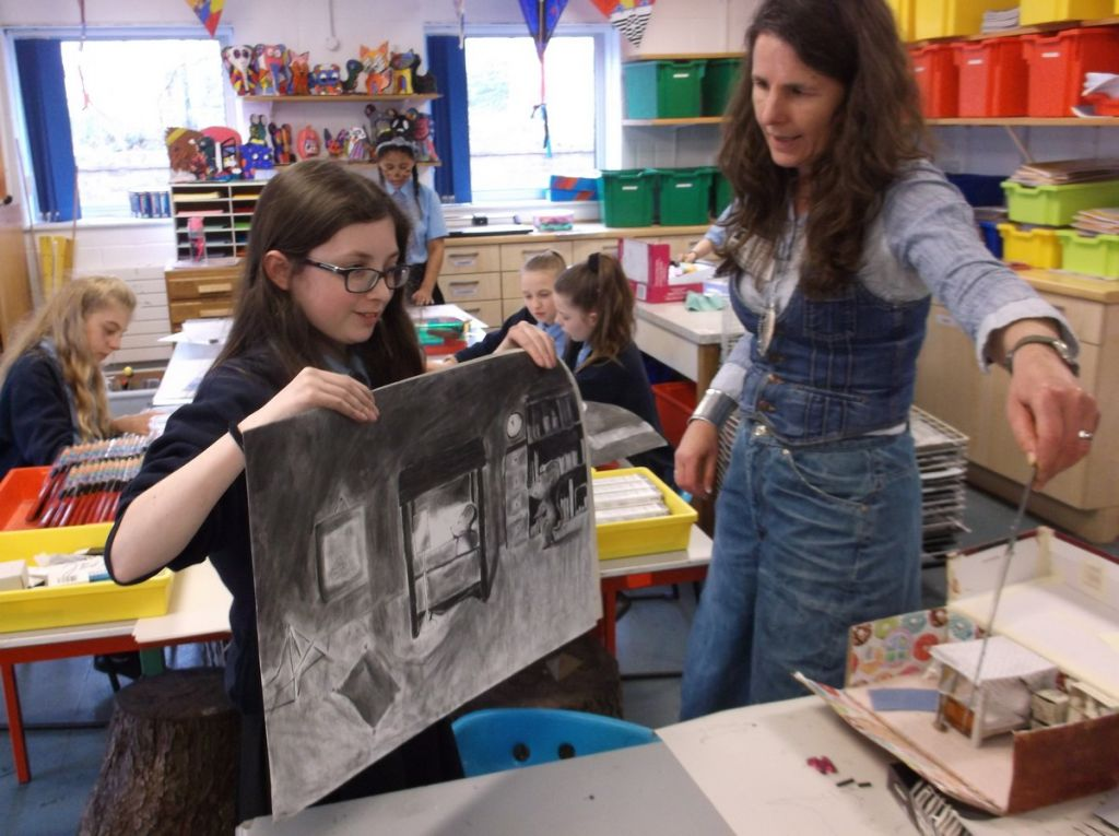 Children's illustrator Jane Chapman leads art project